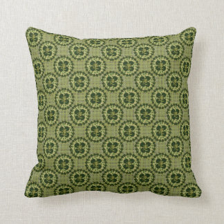 Motif vert chanceux de shamrock coussins carrés