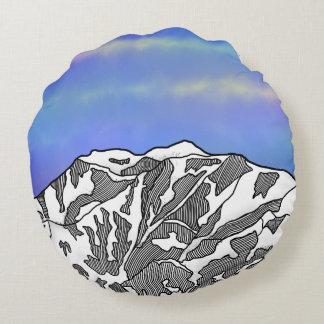 Mount Logan illustration Round Pillow