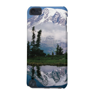Mount Rainier relected in a mountain tarn iPod Touch 5G Case