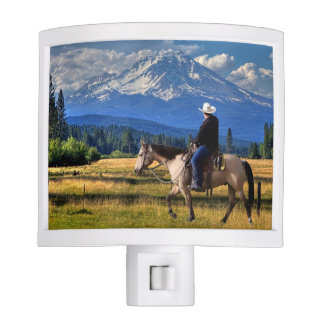 MOUNT SHASTA WITH HORSE AND RIDER NITE LITE