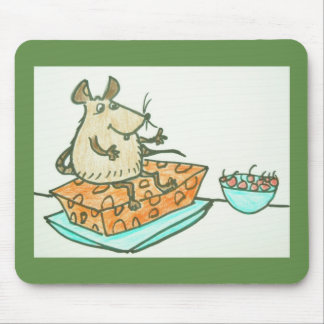 MOUSE PAD - RAT SITTING ON CHEESE