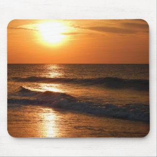 MOUSEPAD - Early morning sun rising over ocean