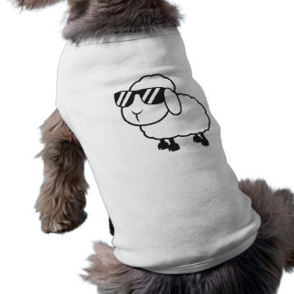 Moutons blancs dans la bande dessinée de lunettes manteau pour toutous