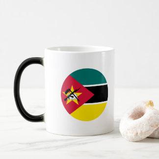 Mozambique Flag Magic Mug