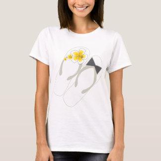 Mr & Mrs Flip Flops Hibiscus Beach Wedding T-shirt
