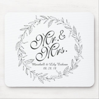 Mr. & Mrs. Simple Floral Wedding | Mousepad