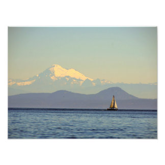 Mt. Baker et voilier - Puget Sound, Washington Art Photographique