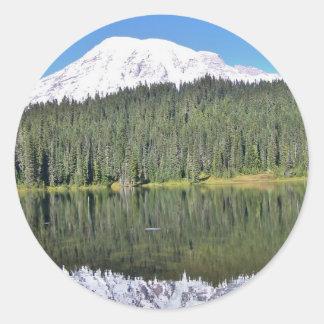 Mt Rainier Classic Round Sticker