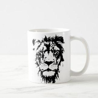Mug with black and white print Leo
