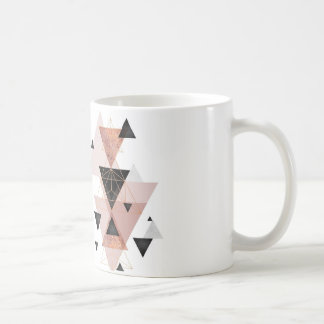 Mug with triangle theme