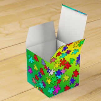 Multicolored jigsaw puzzles pieces favor box