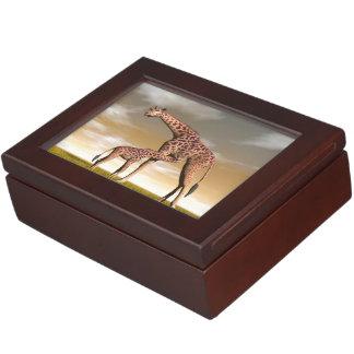 Mum and baby giraffe - 3D render Keepsake Box