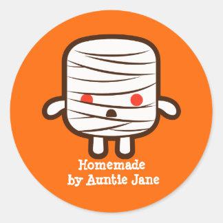 Mummy marshmallow round sticker