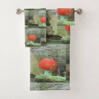 Mushroom In The Woods Bath Towel Set