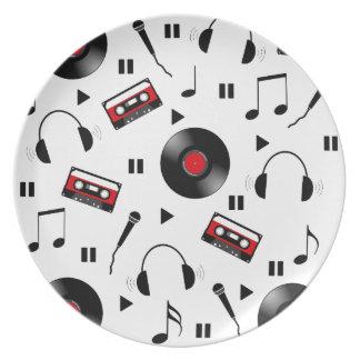 Music pattern dinner plates