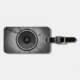 Music speaker on a cracked wall luggage tag