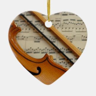 Musique de violon et de feuille ornement cœur en céramique