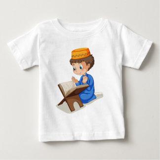 Muslim praying baby T-Shirt
