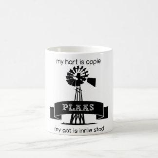 My hart is oppie plaas my gat is innie stad coffee mug