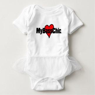 MyBassChic(tm) Crimson Heart Baby Bodysuit