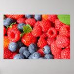 Myrtilles et framboises de fraises affiche