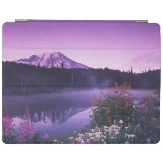 N.A., USA, Washington, Mt. Rainier National iPad Cover