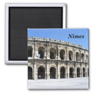 N�mes - square magnet