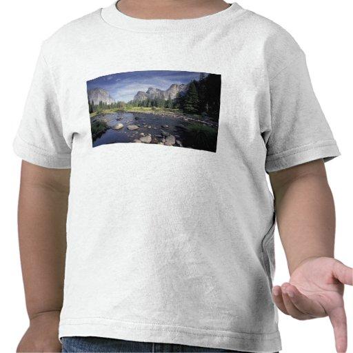 NA, USA, California, Yosemite NP, Valley view T Shirt