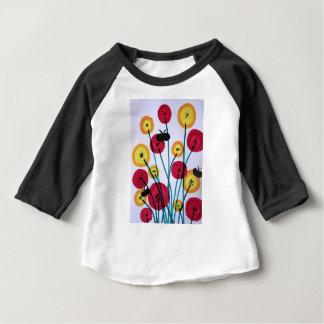 Nappen blomster med sommerfugler baby T-Shirt