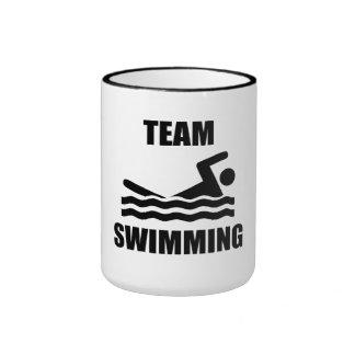 Natation d'équipe mugs à café