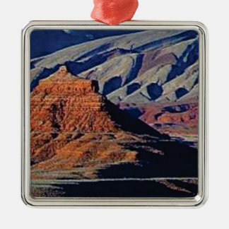 natural shapes of the desert metal ornament