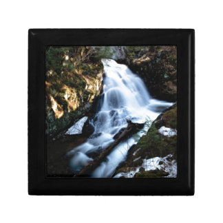 nature flows of water gift box