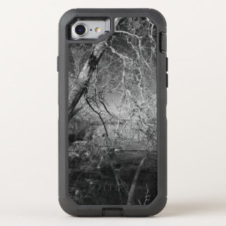 NATURE IN BLACK AND WHITE OtterBox DEFENDER iPhone 8/7 CASE
