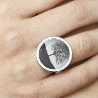 Nature in black and white ring