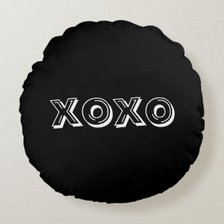 Naughts and Crosses Round Throw Pillow