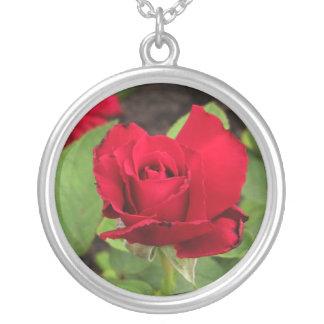 Necklace-Rosebud Round Pendant Necklace
