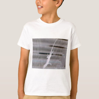 Negative image of a lizard on a window screen T-Shirt