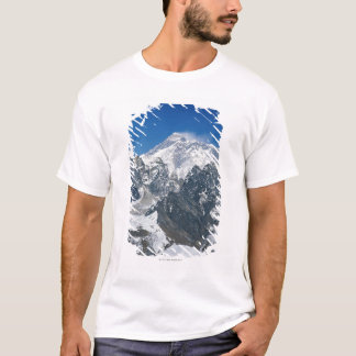 Nepal, Himalayas, view of Mt Everest from Gokyo T-Shirt