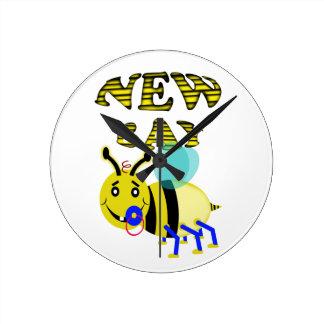 new bay bee wall clock