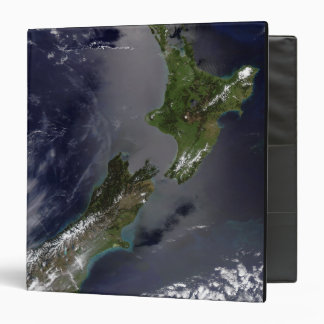 New Zealand 4 Binder