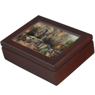 News Reporter - Metrotone News 1928 Keepsake Box
