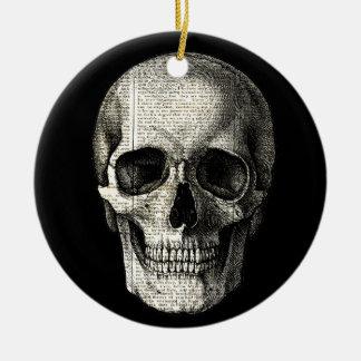Newspaper skull round ceramic ornament