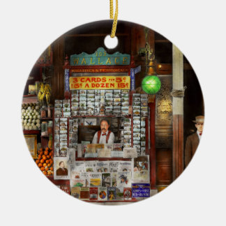 Newsstand - Standing room only 1908 Round Ceramic Ornament