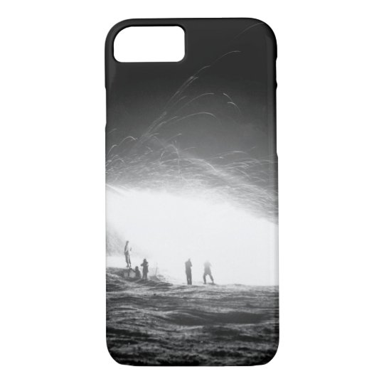 Night view of the First Rocket Battery_War Image iPhone 8/7 Case