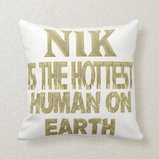 Nik Pillow