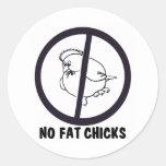 NO-FAT-CHICKS-0995 ROUND STICKER