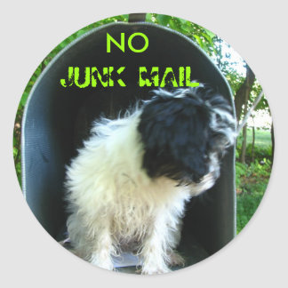 No JUNK MAIL PUPPY Round Sticker