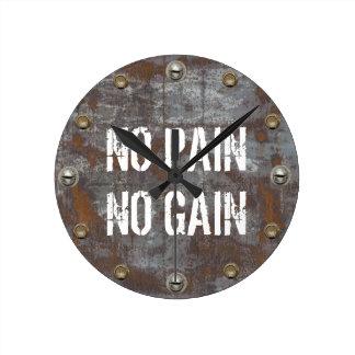 No Pain No Gain Fitness Rusty Metal Motivational Round Clock