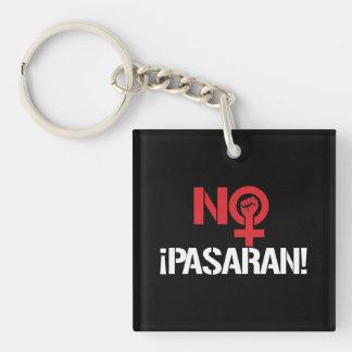 No Pasaran - Feminist --  white - Keychain