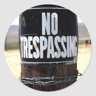 NO TRESPASSING Wired Post Round Sticker